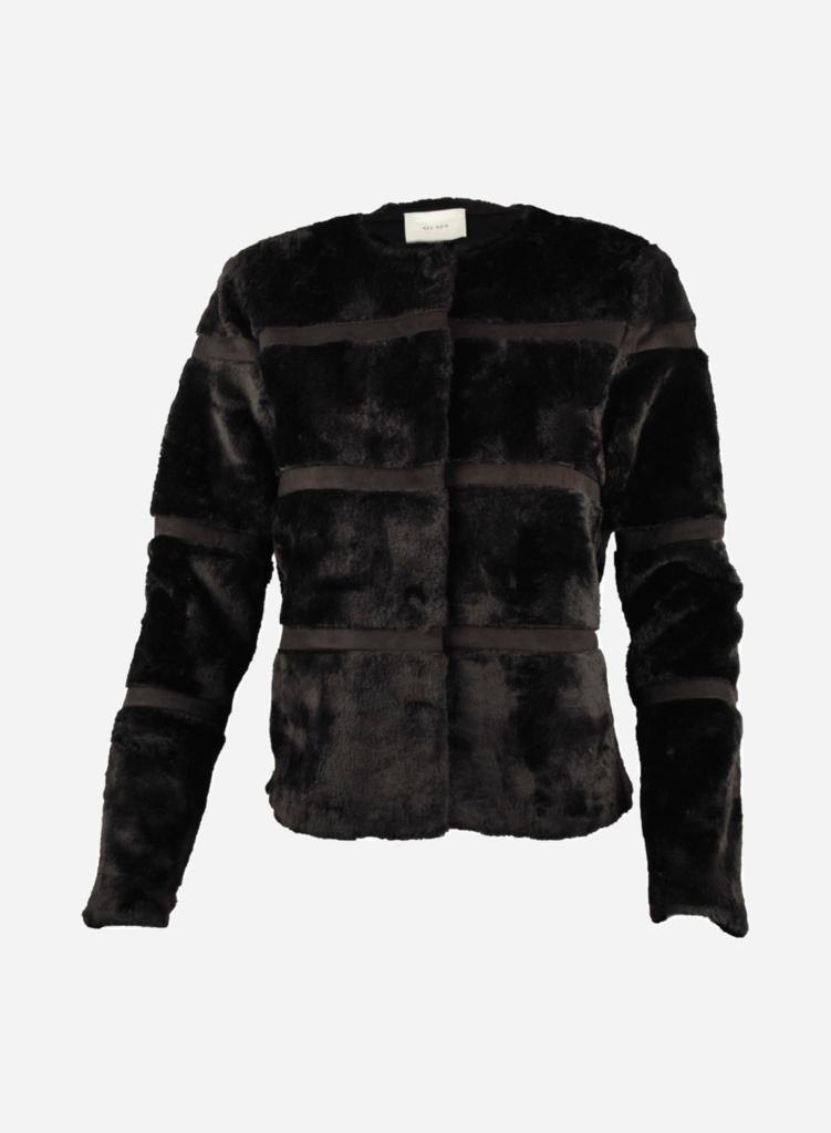 Faux Fur ⇒ Populære fake fur jakker i 2020 [KOMPLET GUIDE]
